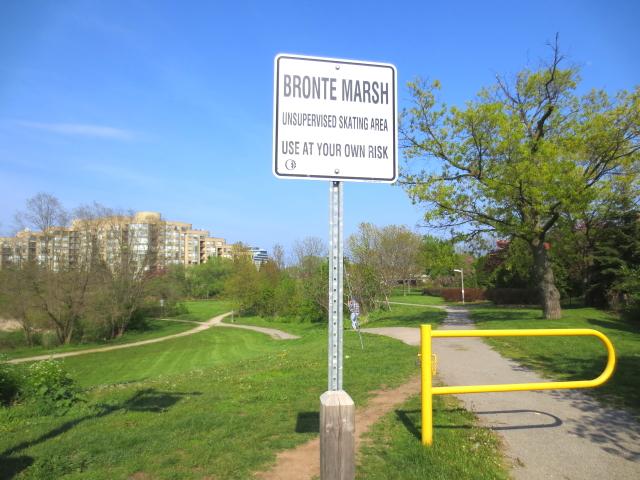 ブロンテ湿地入口 Bronte Marsh, Tolonto, Canada 2013/05/20 photo by Kohyuh