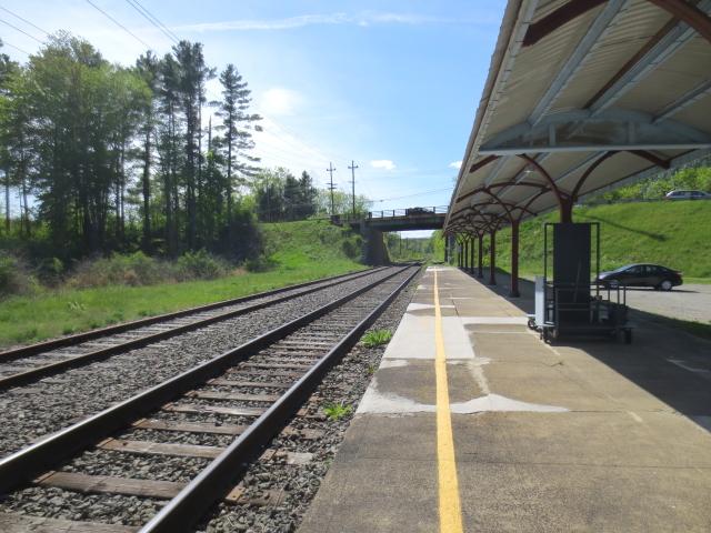 ストックブリッジ駅 プラットホーム