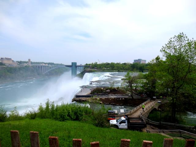 アメリカ滝への道 (7景-1) ニューヨーク州 アメリカ Niagara Falls, State of Newyork, USA 2013/05/22 Photo by Kohyuh
