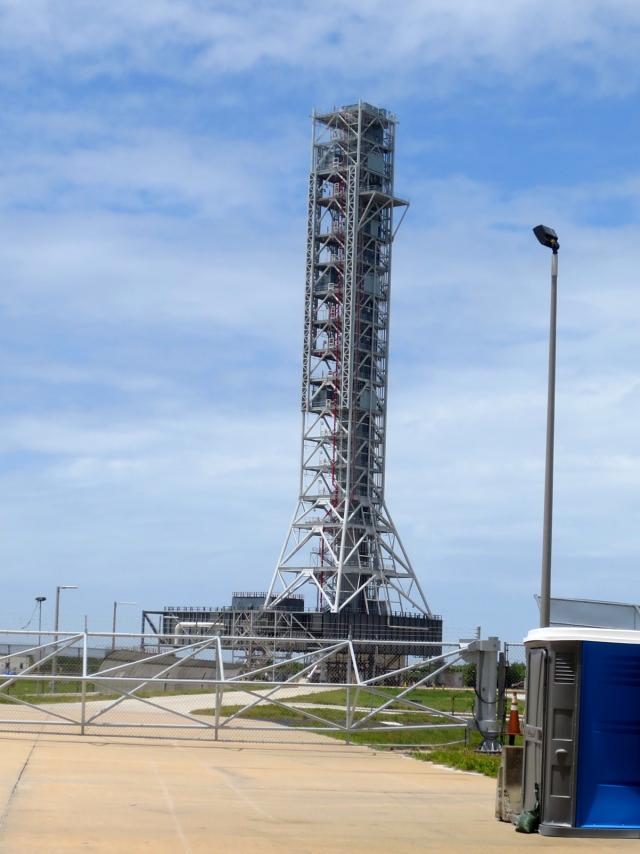 アポロ計画のサターンロケット発射台 Launch Umbilical Tower
