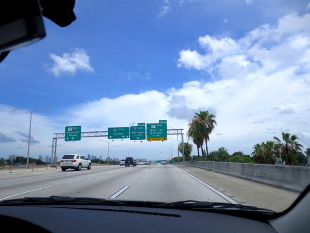 マイアミビーチに向かって (13景-1)