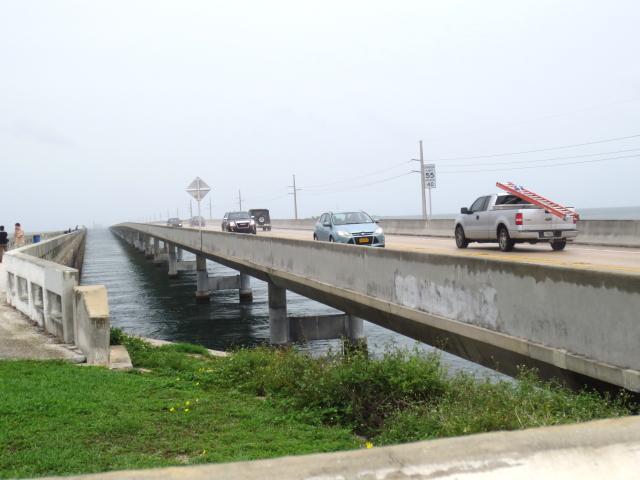キーウェストに向かって Seven-Mile Bridge (16景-6)