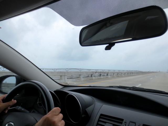キーウェストに向かって Seven-Mile Bridge (16景-7)