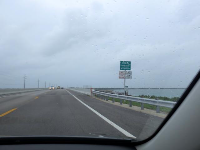 キーウェストに向かって Seven-Mile Bridge (16景-8)